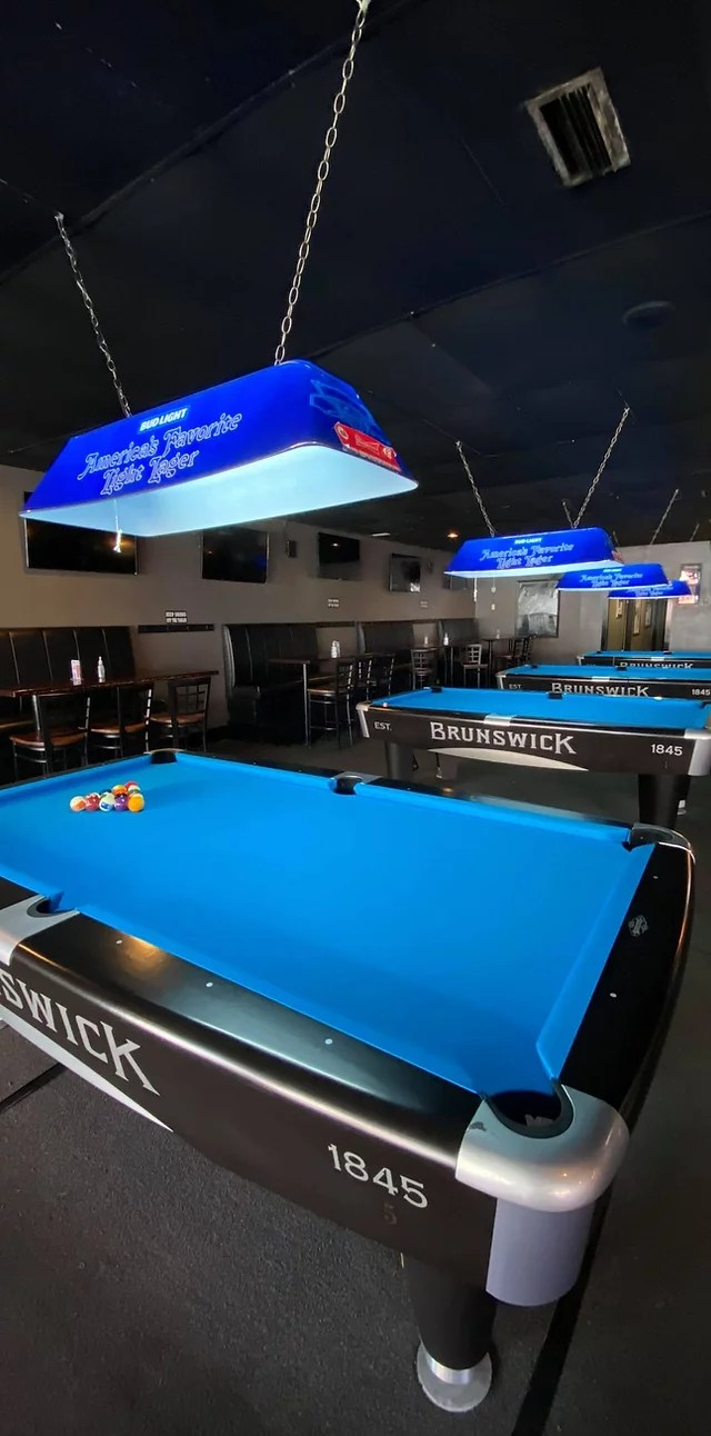 rack and roll billiards and sports bar