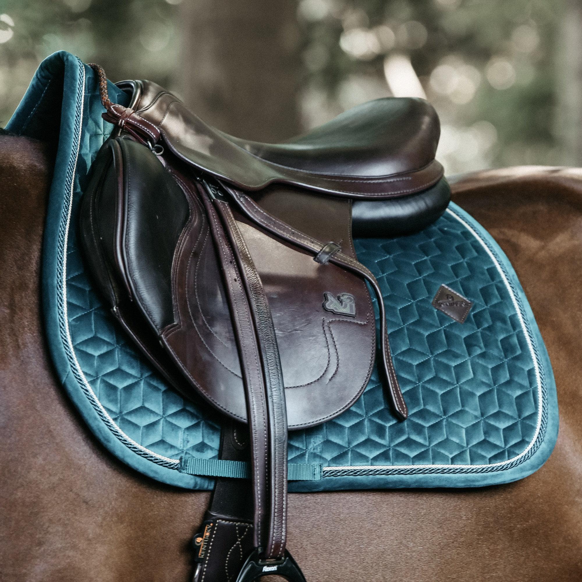 tapis de selle velvet emeraude kentucky horsewear demivolte
