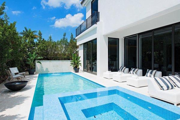 Custom Luxury Homes Naples FL Big Island Builders