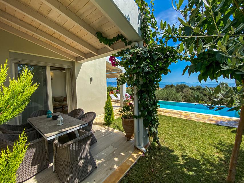 la riviera barbati seaside luxurious apartments and private pool villas