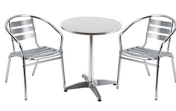 what equipment is needed for a juice bar? tables and chairs