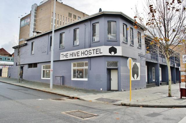 The Hive Hostel Perth - Corona Virus $98 per week special for a 4 share dorm