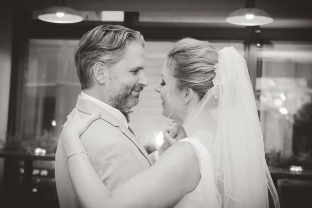 fullscreen page | brittany kinney beaute | wedding hair and