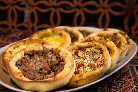 Dólar Furado Burger e Empório Árabe Têm Opções em Dobro Neste Fim de Semana