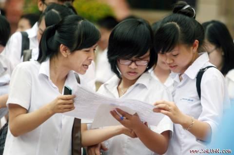 Thí sinh tham gia kỳ thi đại học 2012. Ảnh Lê Hiếu.