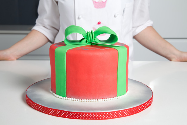 A holly jolly recipe for Christmas cake
