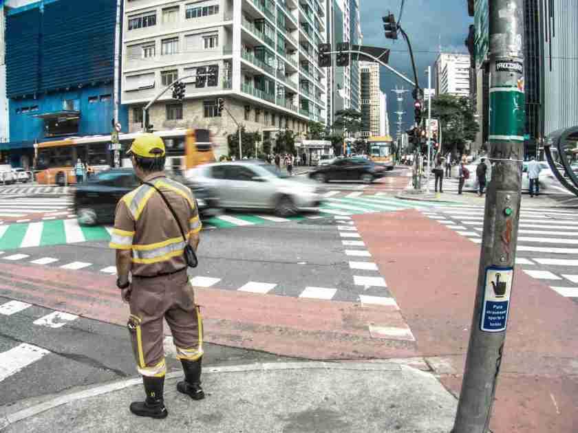 guarda de transito cet sao paulo avenida paulista com rebouças