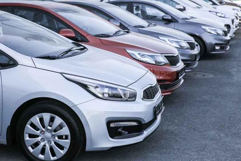 carros novos e usados a venda em feira automotiva