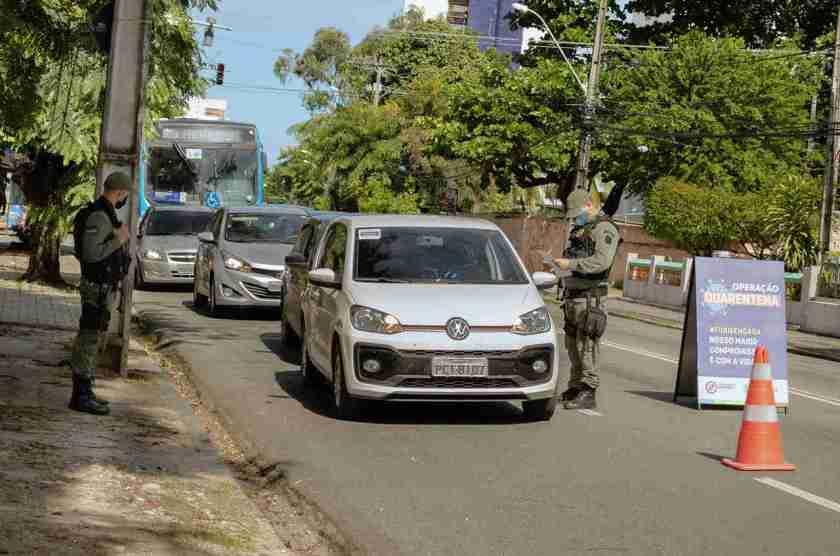 blitz policia carros quarentena
