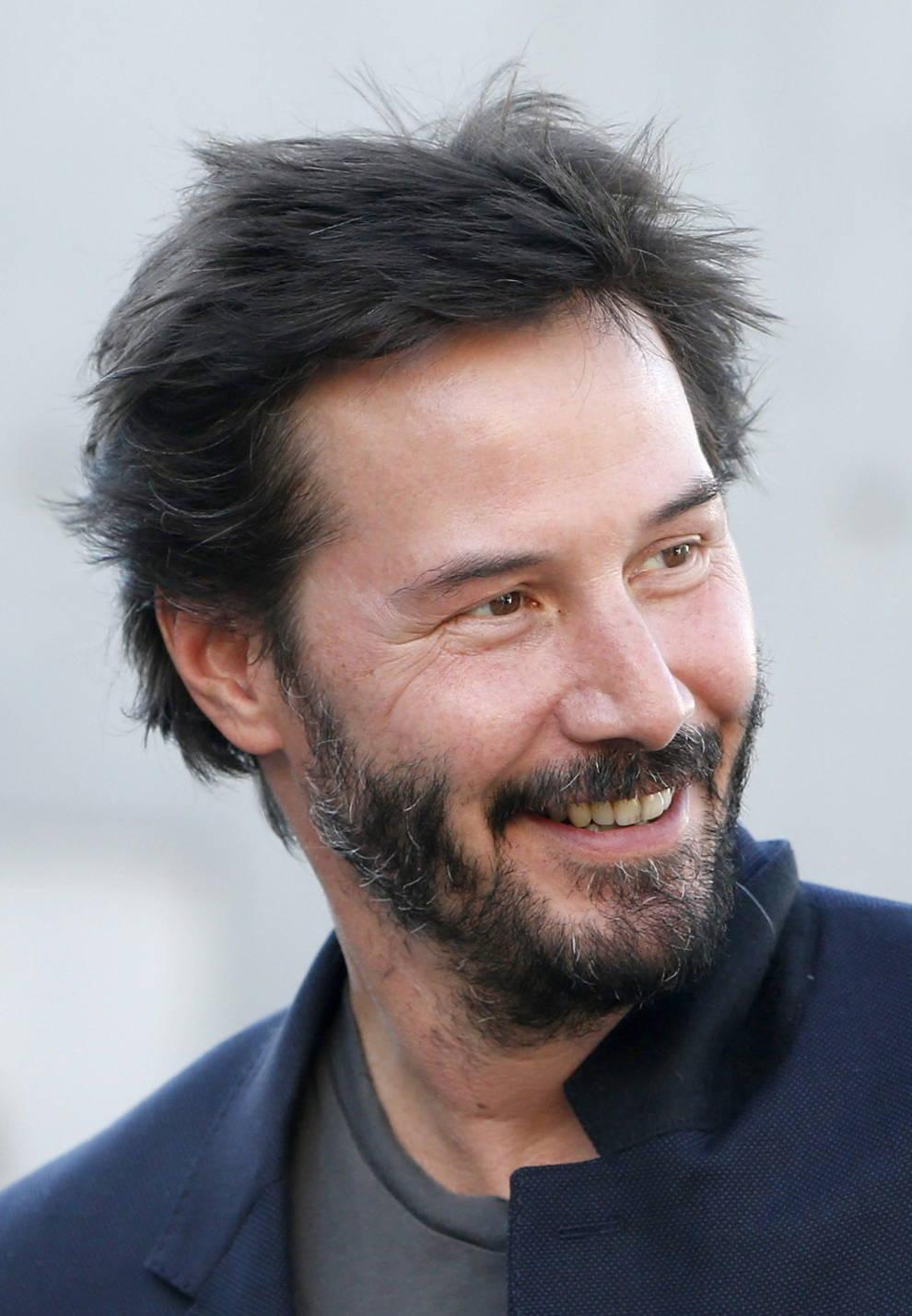 "Keanu Reeves ""Siempre quise ser Batman o Lobezno ..."