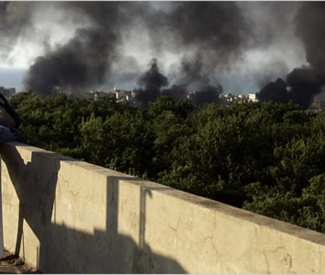 Lebanese Army And Islamists Battle For 2nd Day
