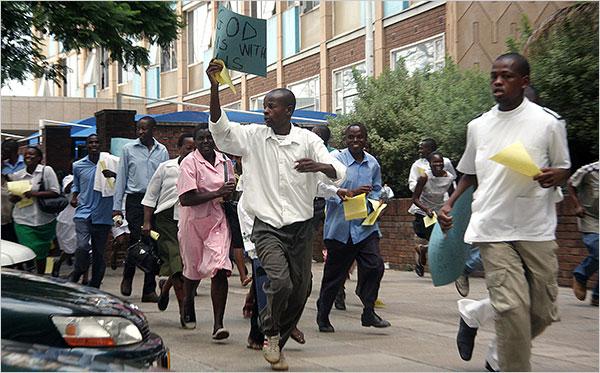 Résultats de recherche d'images pour «zimbabwe doctors strike»