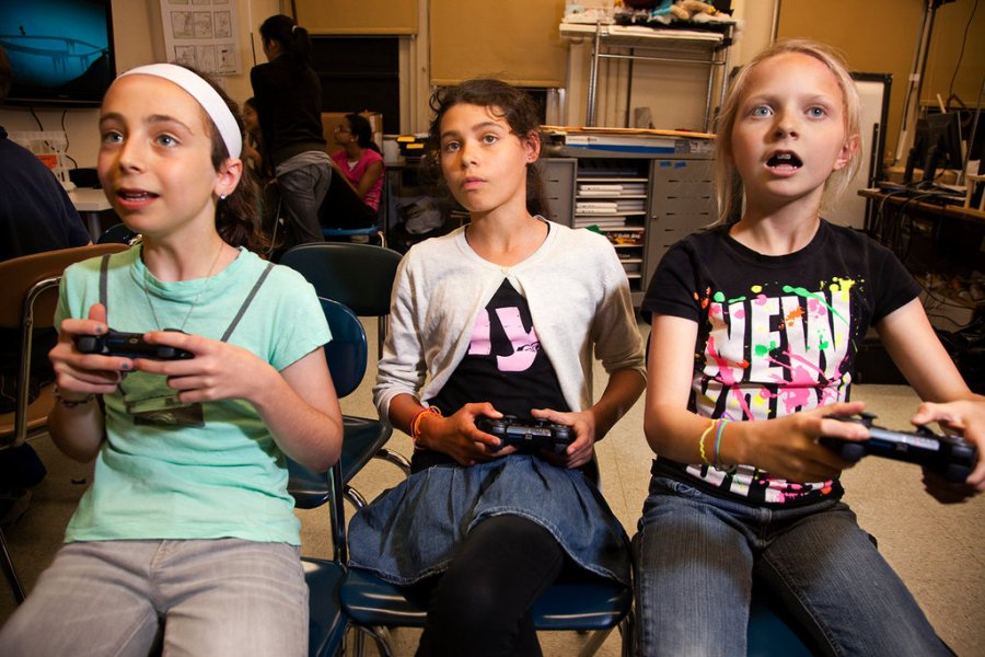 Video Games Win a Beachhead in the Classroom   The New York Times Learning by Playing  Video Games in the Classroom