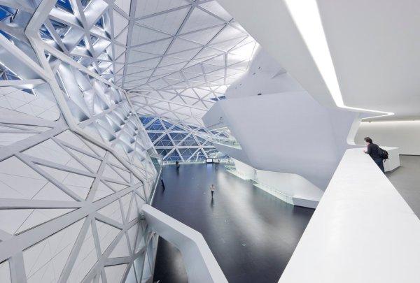 Guangzhou Opera House, Designed by Zaha Hadid - Review ...