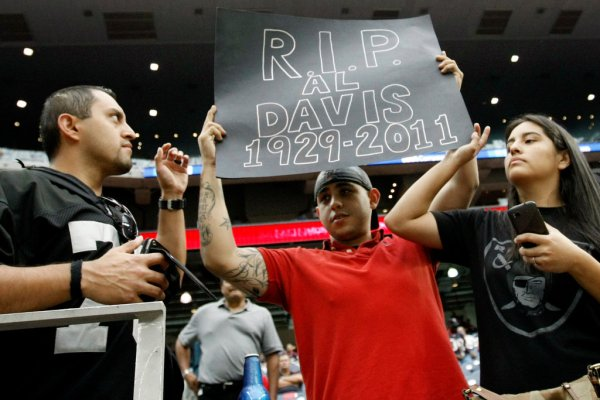 Raiders Fans Mourn Owner Al Davis - The New York Times