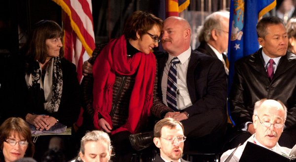 Gabrielle Giffords Says She's Leaving the House - The New ...