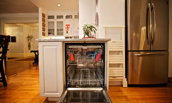 For Some Manhattanites Dishwasher Becomes A Right Not A Privilege The New York Times