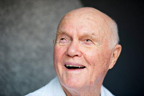 As Indians Honor John Glenn, He Honors Neil Armstrong ...
