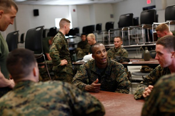 Marine Corps Seeks Minority and Female Officers - The New ...