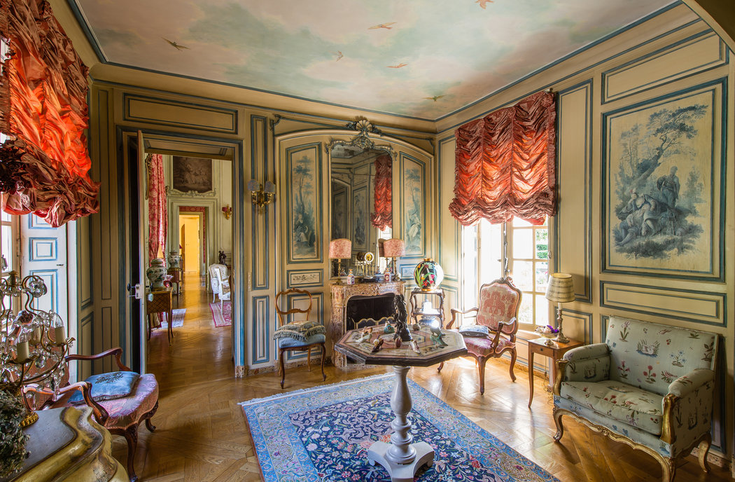 In Versailles Living With History The New York Times