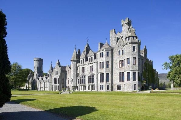 Rich Americans Snap Up Irish Castles for Love and ...