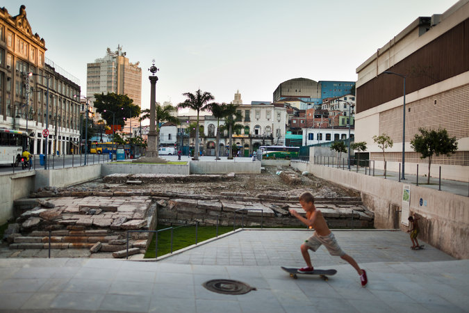 Rio de janeiro uma incerta antropologia slave ships in the 19th century docked at the huge stone valongo wharf exposed by archaeologists near rios port creditlianne milton for the new york fandeluxe Images
