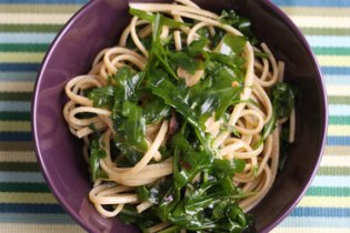 Mark Bittman more than triples the greens in a punchy pasta recipe from the Minimalist archives.