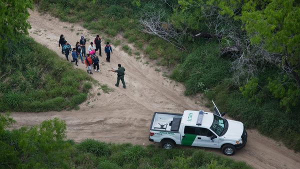 border-capture-videoSixteenByNine600.jpg