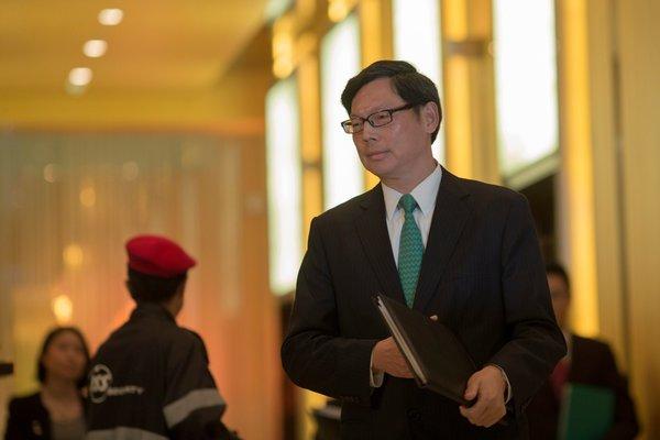 香港對內地貸款激增招致嚴厲監管 - 紐約時報中文網
