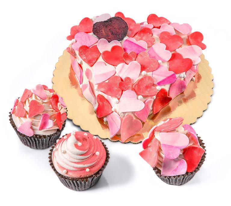 Vegan Valentine\'s Day Cake