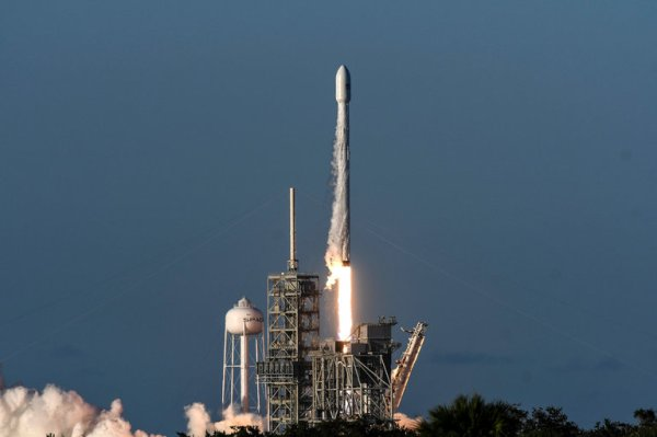 SpaceX Is Now One of the World's Most Valuable Privately ...