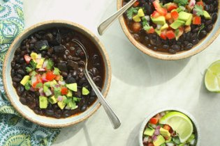 Cookbook author and pressure-cooking expert Lorna Sass shows Mark Bittman how to make a black bean soup with chorizo in less than 25 minutes.