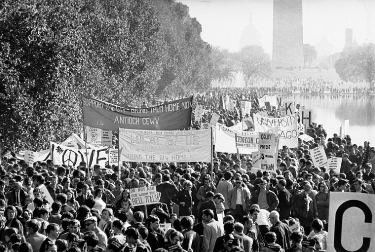 The Four Stages of the Antiwar Movement   The New York Times Antiwar demonstrators in Washington in October  1967  Credit Associated  Press