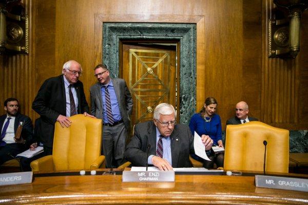 Senate Votes to Proceed to Debate as Tax Overhaul Gains ...