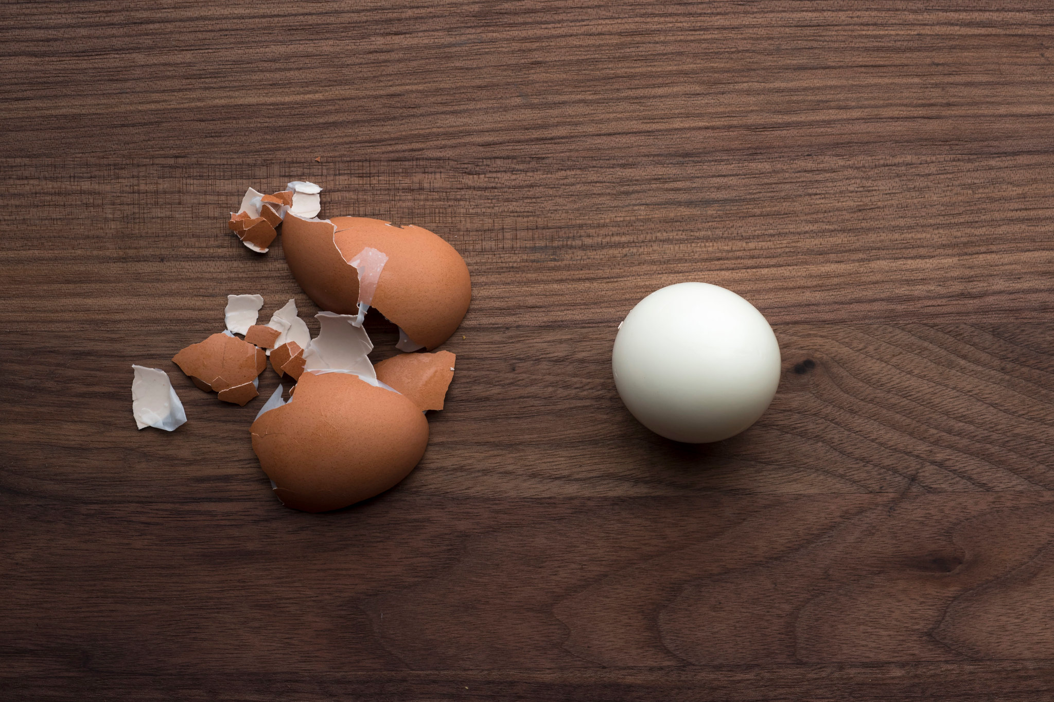 you microwave a boiled egg