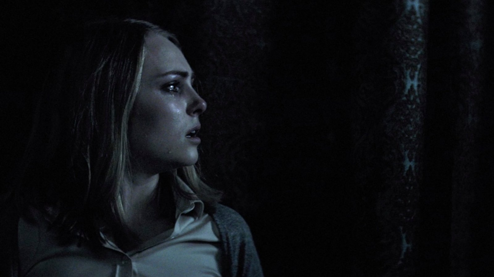Review Ghosts And Goofiness Haunt Down A Dark Hall