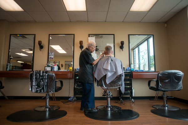 The Worlds Oldest Barber Is 107 And Still Cutting Hair