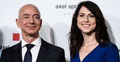 A Look Inside The Marriage Of Jeff And Mackenzie Bezos Richest