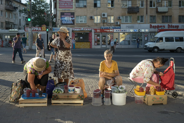 Street traders in Volgograd. Under the guise of fighting corruption, Mikhail K. Muzraev so terrified the local business and political elite that the local economy foundered.