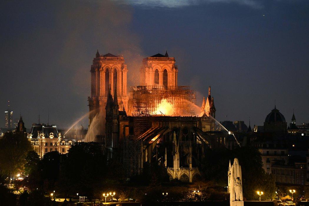 巴黎聖母院火災調查的五個關鍵要點 - 紐約時報中文網