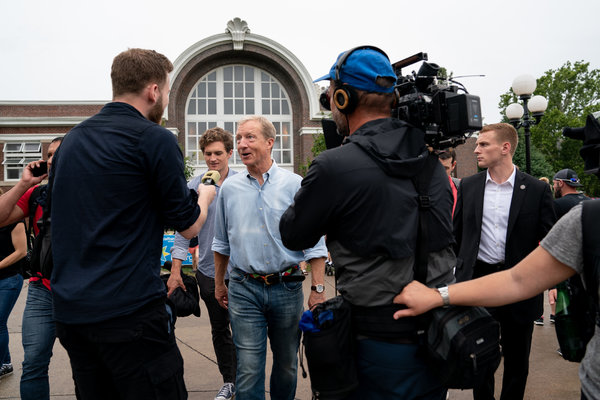 Tom Steyer, the former hedge fund investor, has spent millions of dollars flooding the internet with ads.