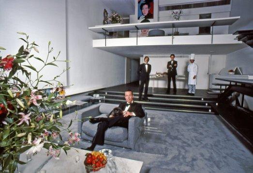The designer Halston in his sunken living room in New York, photographed in 1978.