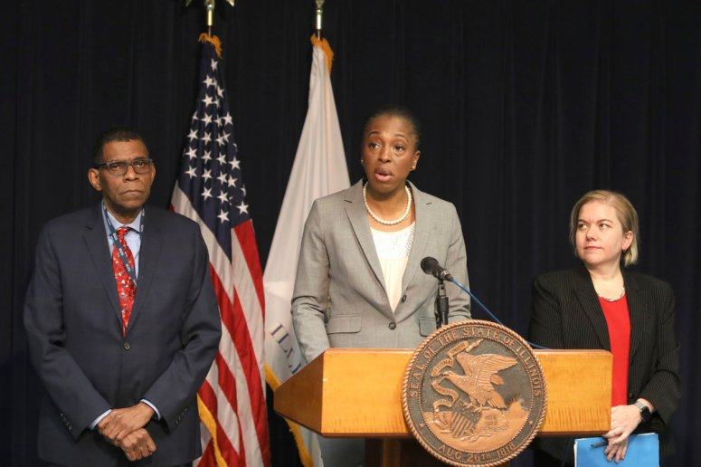 伊利诺斯州公共卫生中心主任在新闻发布会上介绍了美国首例人际传播病例。