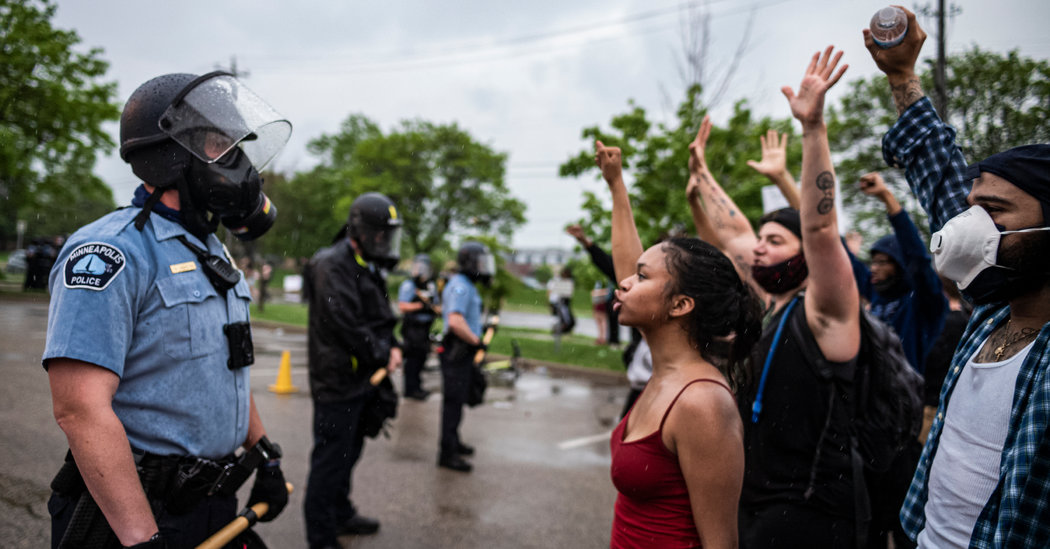 Minneapolis Police, Long Accused of Racism, Face Wrath of Wounded City