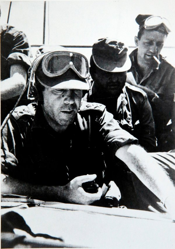 Zeev Sternhell, right, during the 1967 Arab-Israeli War. As a soldier or reservist, he fought in five Israeli conflicts from 1956 to 1982.