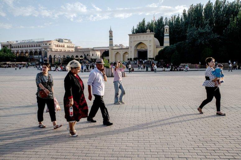 恶意软件隐藏在应用程序和网站中,以从数百万中国维吾尔族穆斯林的手机中收集数据。