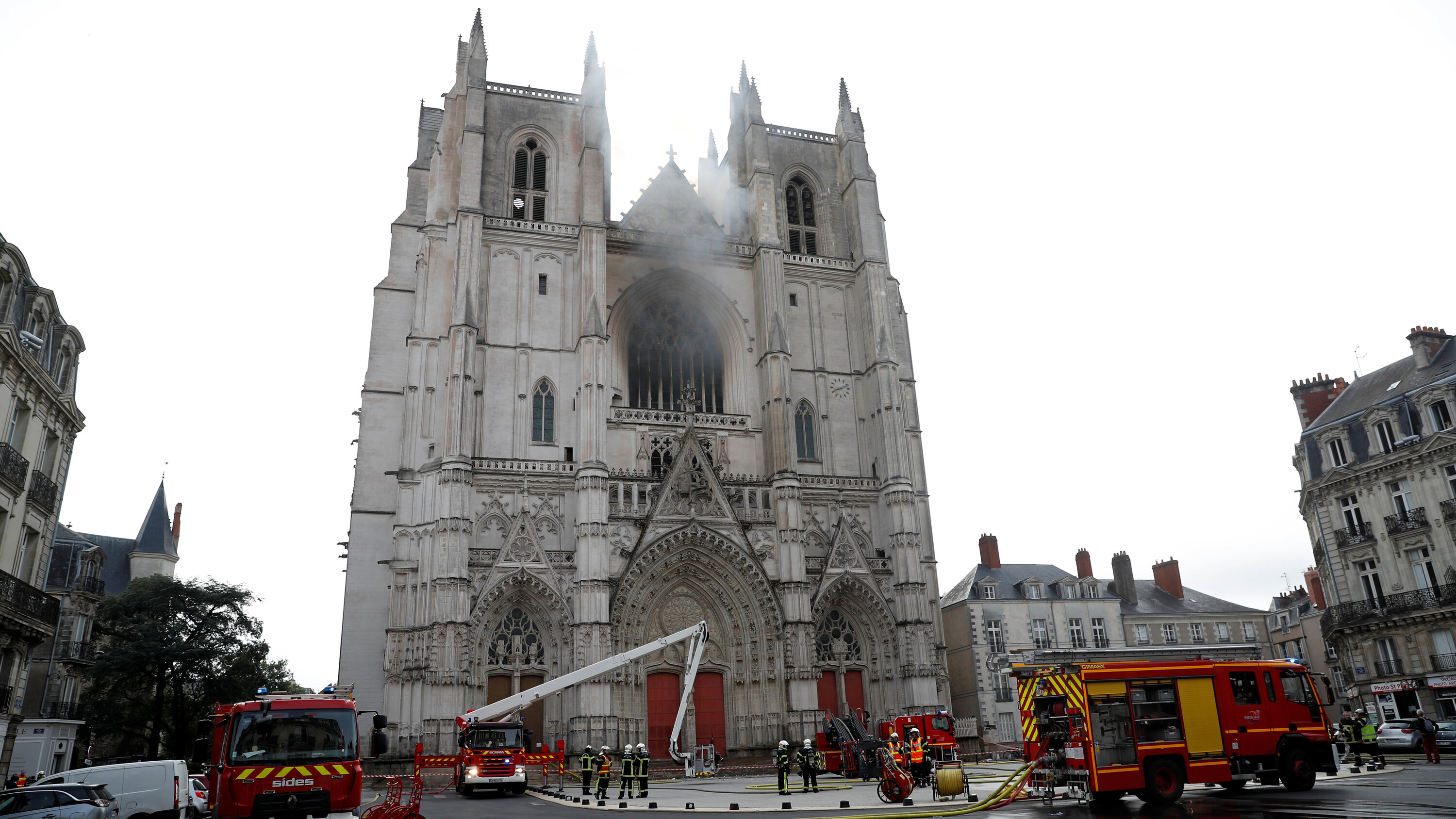 arson suspected in french cathedral fire