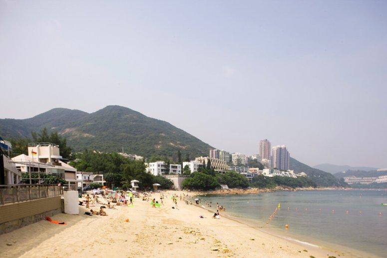 赤柱正滩。2013年,一位中国共产党领导人的女儿栗潜心就是在这里以1500万美元买下一幢联排别墅。