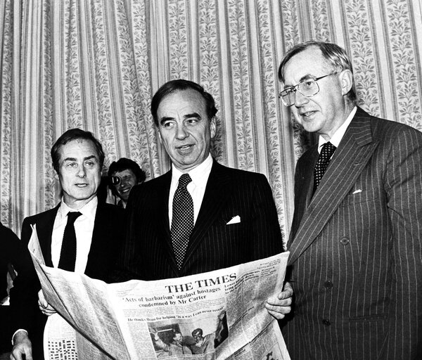 Mr. Evans, left, editor of The Sunday Times, with Rupert Murdoch, center, and William Rees-Mogg, editor of The Times of London, in 1981, after Mr. Murdoch had bought the papers' parent company. Mr. Evans was forced out in 1982.