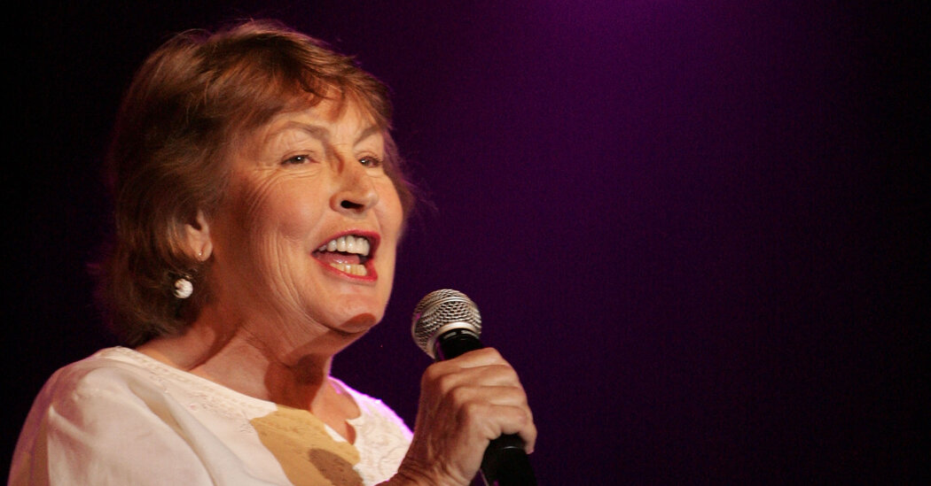 Helen Reddy, Singer Behind 'I Am Woman,' Dies at 78